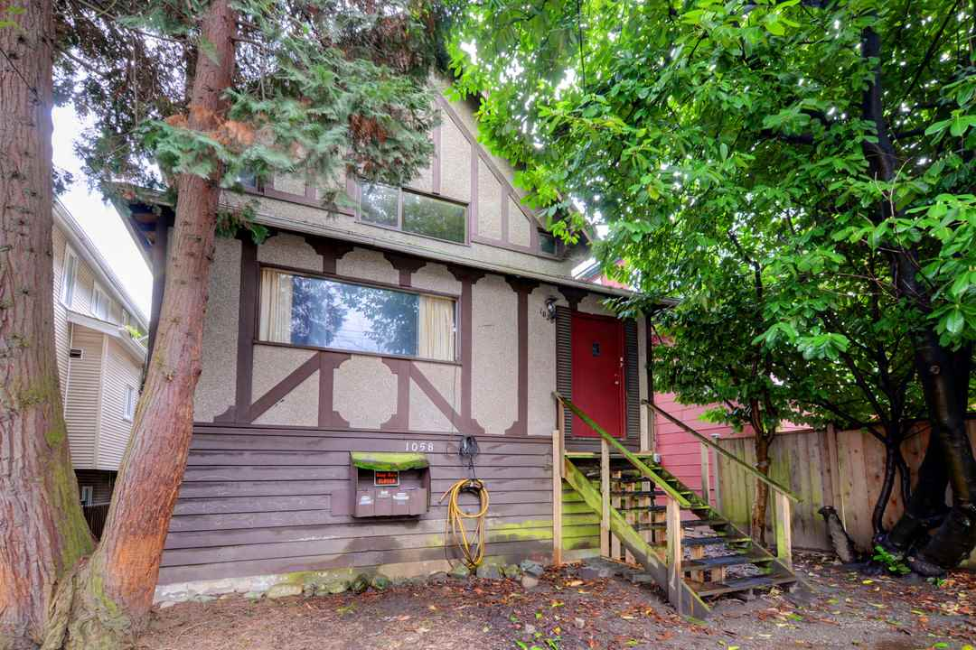 "Main Photo: 1058 E 13TH Avenue in Vancouver: Mount Pleasant VE House for sale in ""Mount Pleasant"" (Vancouver East)  : MLS(r) # R2143092"