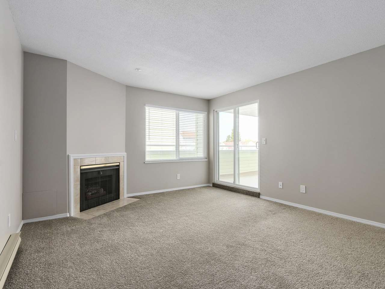 "Photo 4: 16 5661 LADNER TRUNK Road in Delta: Hawthorne Condo for sale in ""OAK GLEN TERRACE"" (Ladner)  : MLS(r) # R2157944"