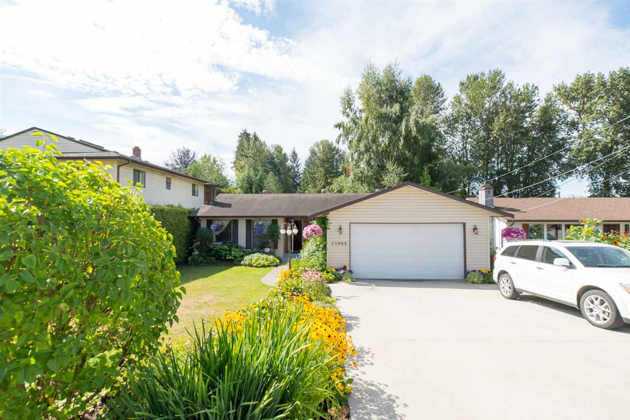 Main Photo: 33988 FERN Street in Abbotsford: Central Abbotsford House for sale : MLS®# R2163245