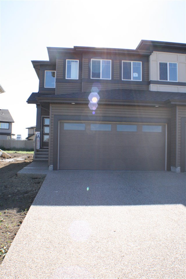 Photo 1: 7 Roberge Close: St. Albert House Half Duplex for sale : MLS(r) # E4067704