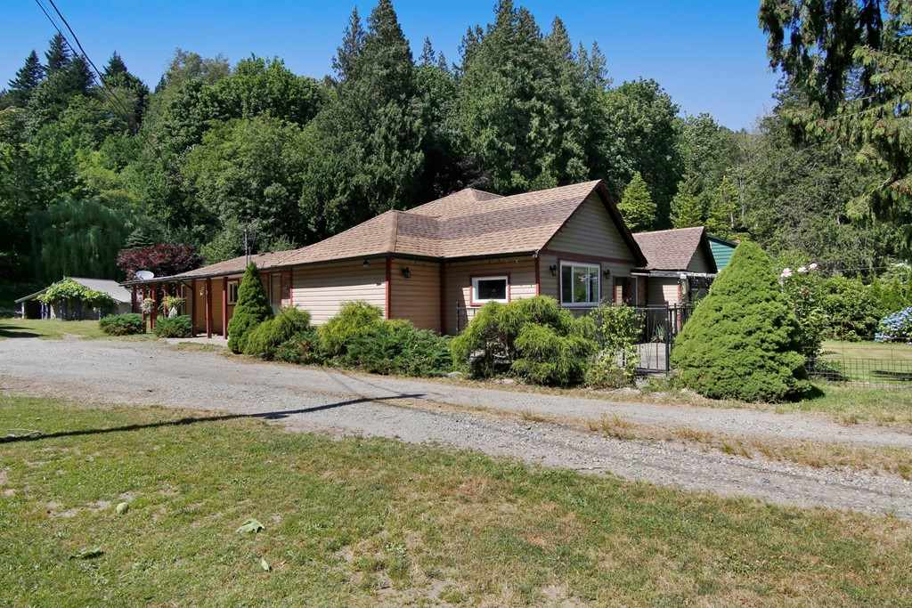 Main Photo: 41755 LOUGHEED Highway in Mission: Dewdney Deroche House for sale : MLS(r) # R2186132