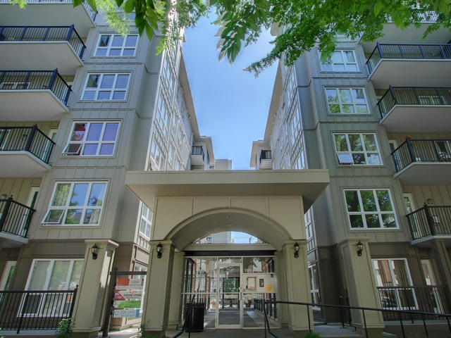 Main Photo: 401 11103 84 Avenue in Edmonton: Zone 15 Condo for sale : MLS(r) # E4073166