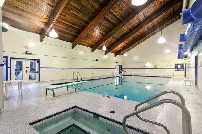 Recently refurbished, 20mtre indoor pool, hot tub & sauna