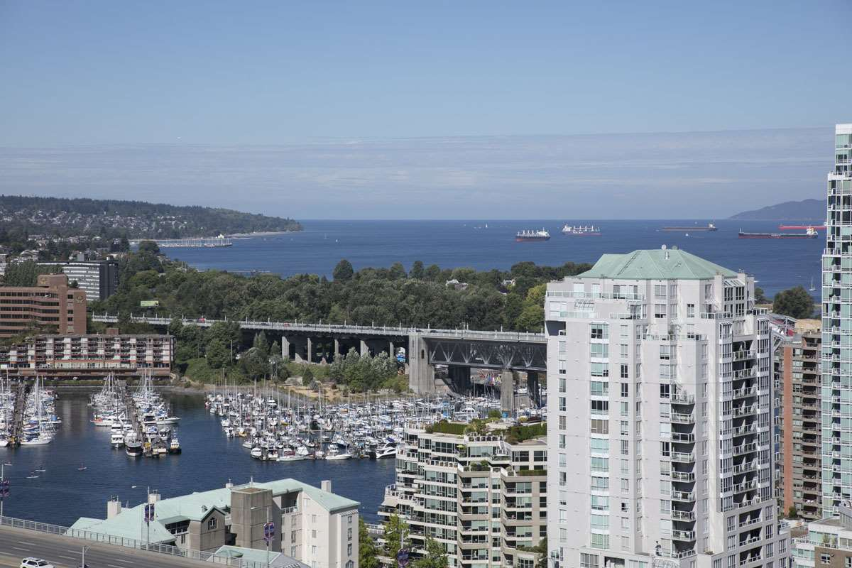 "Main Photo: 3001 1495 RICHARDS Street in Vancouver: Yaletown Condo for sale in ""AZURA II"" (Vancouver West)  : MLS® # R2198696"