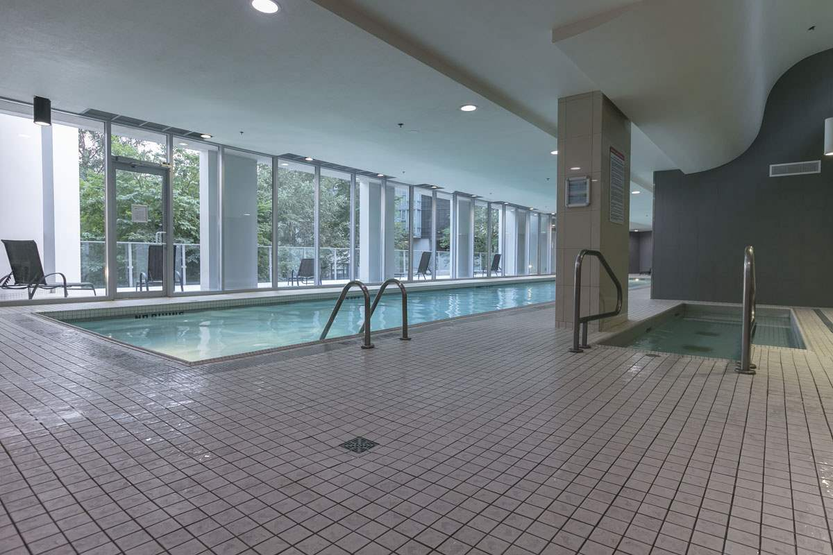 Super Club Indoor Pool, Whirlpool, Sauna & Steam