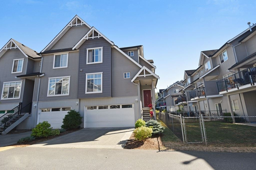 "Main Photo: 21 8881 WALTERS Street in Chilliwack: Chilliwack E Young-Yale Townhouse for sale in ""Eden Park"" : MLS® # R2202779"