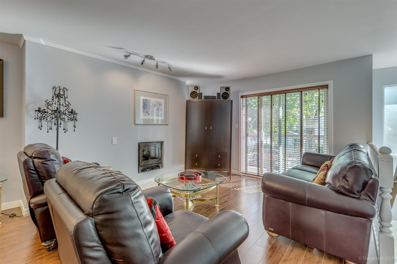 Photo 3: 5855 BROADWAY Street in Burnaby: Parkcrest House 1/2 Duplex for sale (Burnaby North)  : MLS® # R2205333