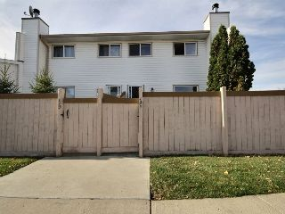 Main Photo: 134 Marlborough Place in Edmonton: Zone 20 Townhouse for sale : MLS® # E4086275