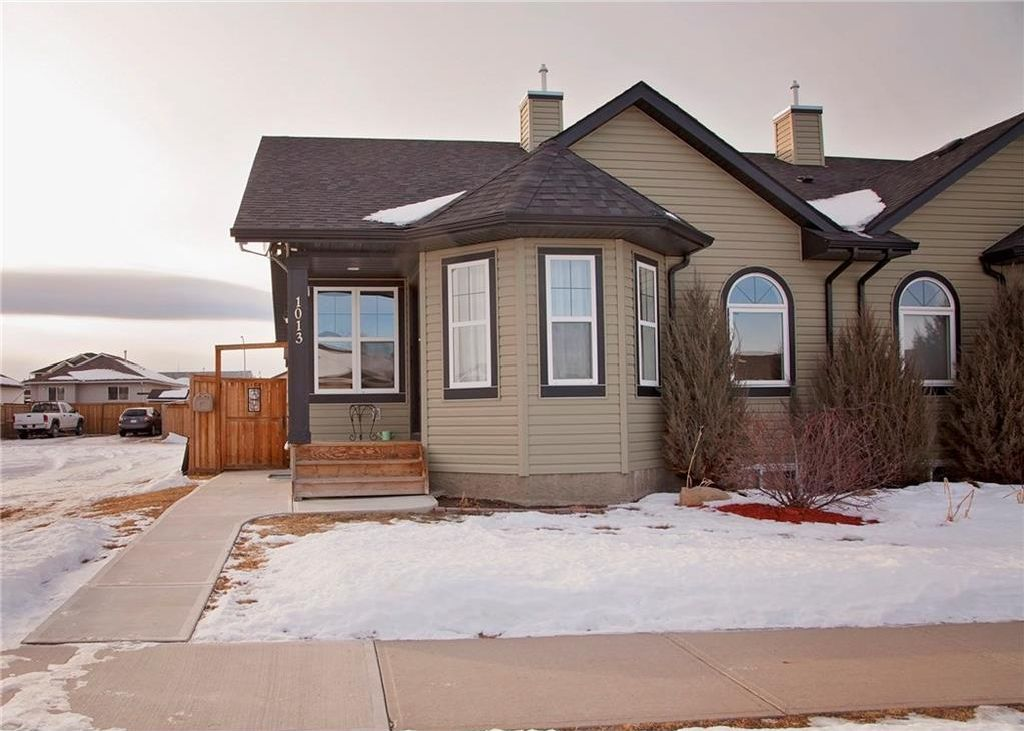 Main Photo: 1013 3rd Street SW: Black Diamond House for sale : MLS® # C4162935