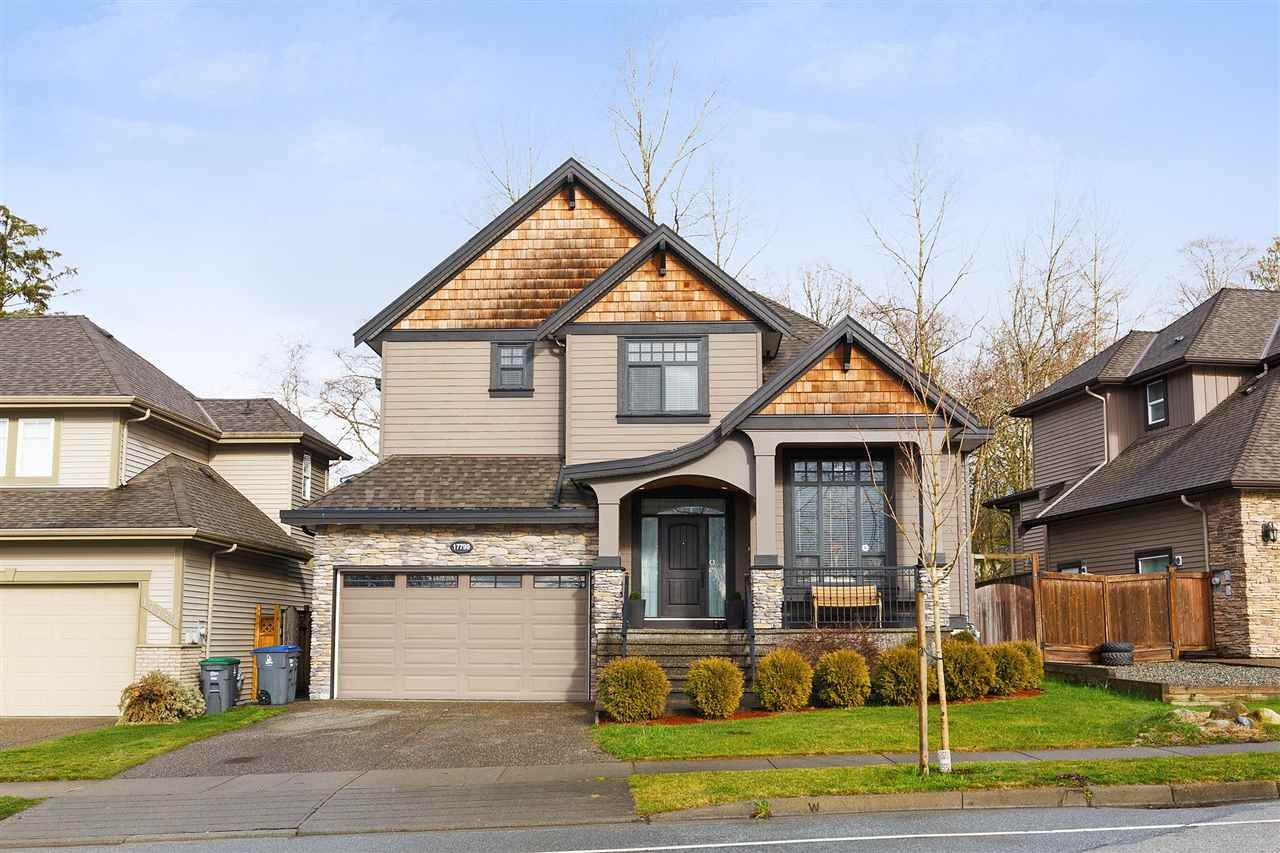 Main Photo: 17799 68 Avenue in Surrey: Cloverdale BC House for sale (Cloverdale)  : MLS® # R2239140