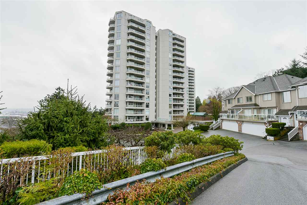 "Main Photo: 302 71 JAMIESON Court in New Westminster: Fraserview NW Condo for sale in ""PALACE QUAY"" : MLS®# R2252787"