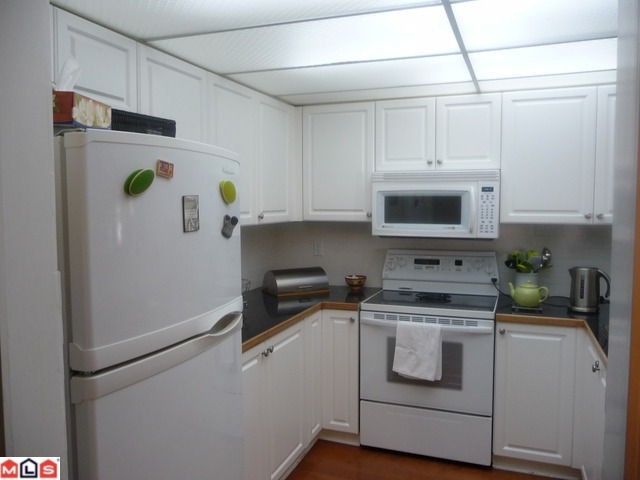 "Photo 8: 210 1280 FIR Street: White Rock Condo for sale in ""Ocean Villa"" (South Surrey White Rock)  : MLS® # F1122357"