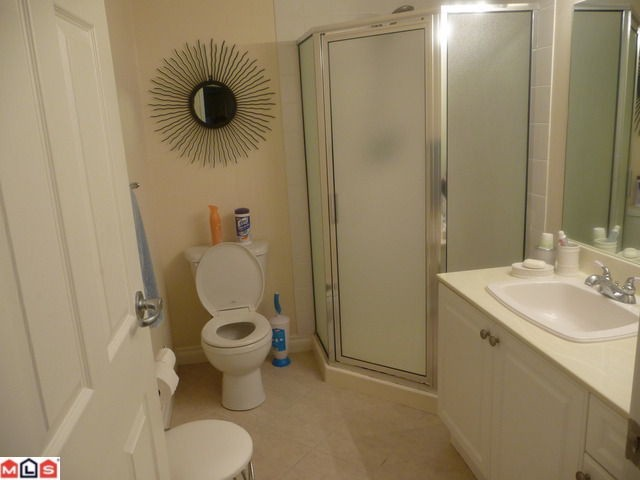 "Photo 5: 210 1280 FIR Street: White Rock Condo for sale in ""Ocean Villa"" (South Surrey White Rock)  : MLS® # F1122357"
