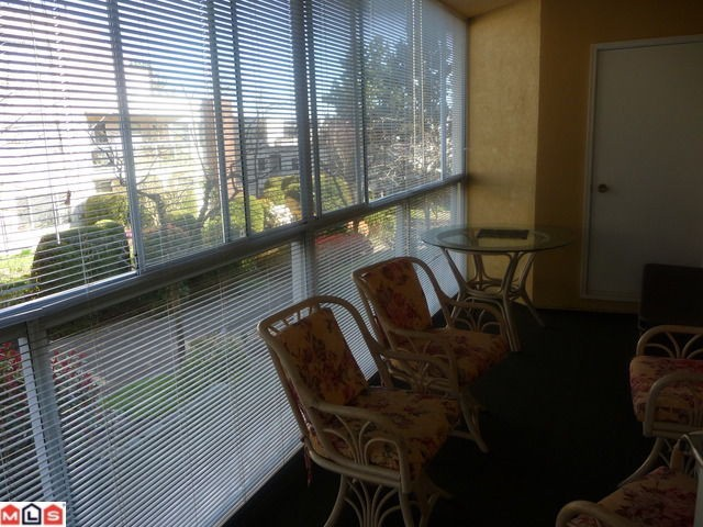"Photo 7: 210 1280 FIR Street: White Rock Condo for sale in ""Ocean Villa"" (South Surrey White Rock)  : MLS(r) # F1122357"