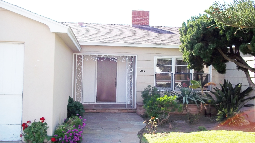 Main Photo: LA JOLLA Home for sale or rent : 3 bedrooms : 5720 CHELSEA