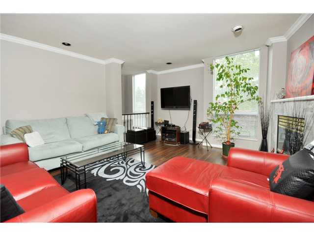 "Photo 3: # 25 -  3228 Raleigh Street in Port Coquitlam: Central Pt Coquitlam Condo for sale in ""MAPLE CREEK"" : MLS(r) # V946545"