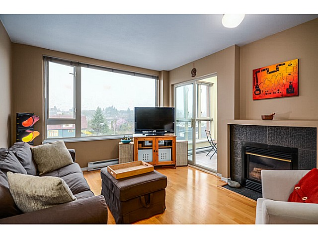 "Main Photo: 407 1688 E 4TH Avenue in Vancouver: Grandview VE Condo for sale in ""La Casa"" (Vancouver East)  : MLS(r) # V1054820"