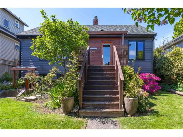 "Main Photo: 4295 ST. GEORGE Street in Vancouver: Fraser VE House for sale in ""FRASER"" (Vancouver East)  : MLS® # V1121973"