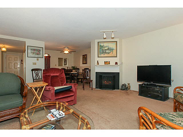 "Photo 6: 110 4885 53 Street in Ladner: Hawthorne Condo for sale in ""GREEN GABLES"" : MLS(r) # V1139264"