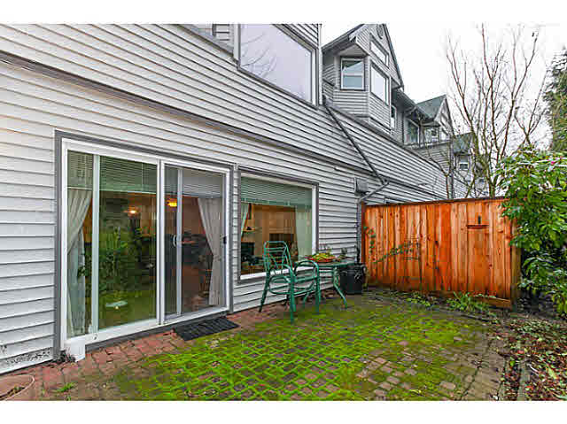 "Photo 19: 110 4885 53 Street in Ladner: Hawthorne Condo for sale in ""GREEN GABLES"" : MLS(r) # V1139264"