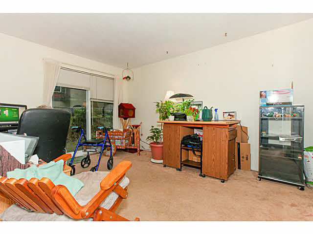 "Photo 14: 110 4885 53 Street in Ladner: Hawthorne Condo for sale in ""GREEN GABLES"" : MLS(r) # V1139264"