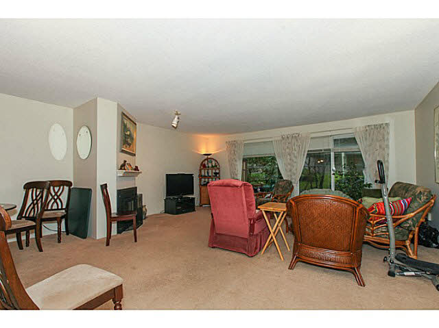 "Photo 4: 110 4885 53 Street in Ladner: Hawthorne Condo for sale in ""GREEN GABLES"" : MLS(r) # V1139264"