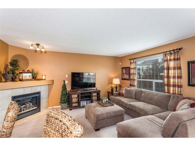 Photo 8: 40 CHAPALINA Manor SE in Calgary: Chaparral House for sale : MLS® # C4027797