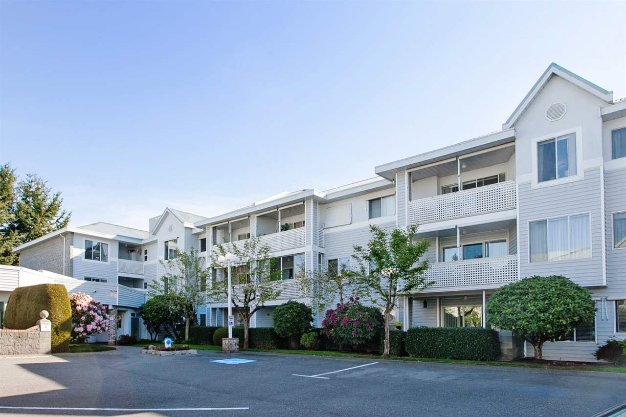 "Main Photo: 215 32833 LANDEAU Place in Abbotsford: Central Abbotsford Condo for sale in ""PARK PLACE"" : MLS® # R2022009"