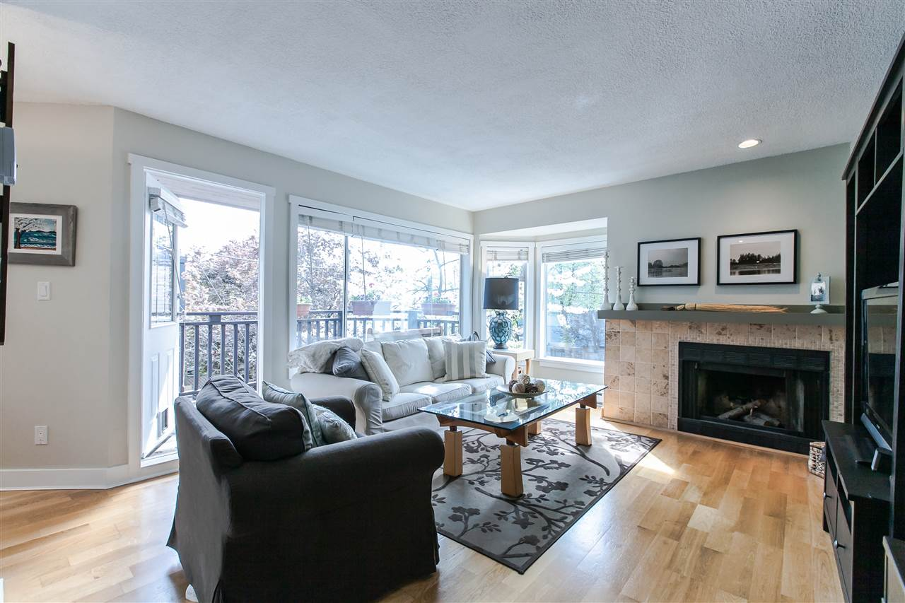 Main Photo: 8676 SW MARINE Drive in Vancouver: Marpole Townhouse for sale (Vancouver West)  : MLS® # R2061352