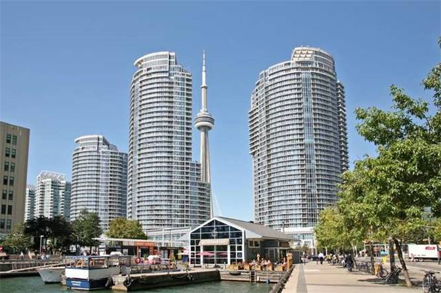 Main Photo: 807 208 W Queens Quay in Toronto: Waterfront Communities C1 Condo for sale (Toronto C01)  : MLS®# C3603477