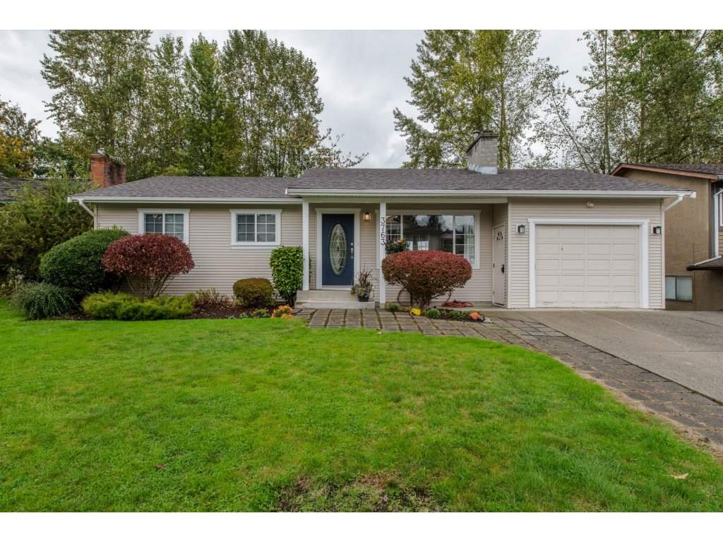 Main Photo: 3763 ROBSON Drive in Abbotsford: Abbotsford East House for sale : MLS® # R2114513
