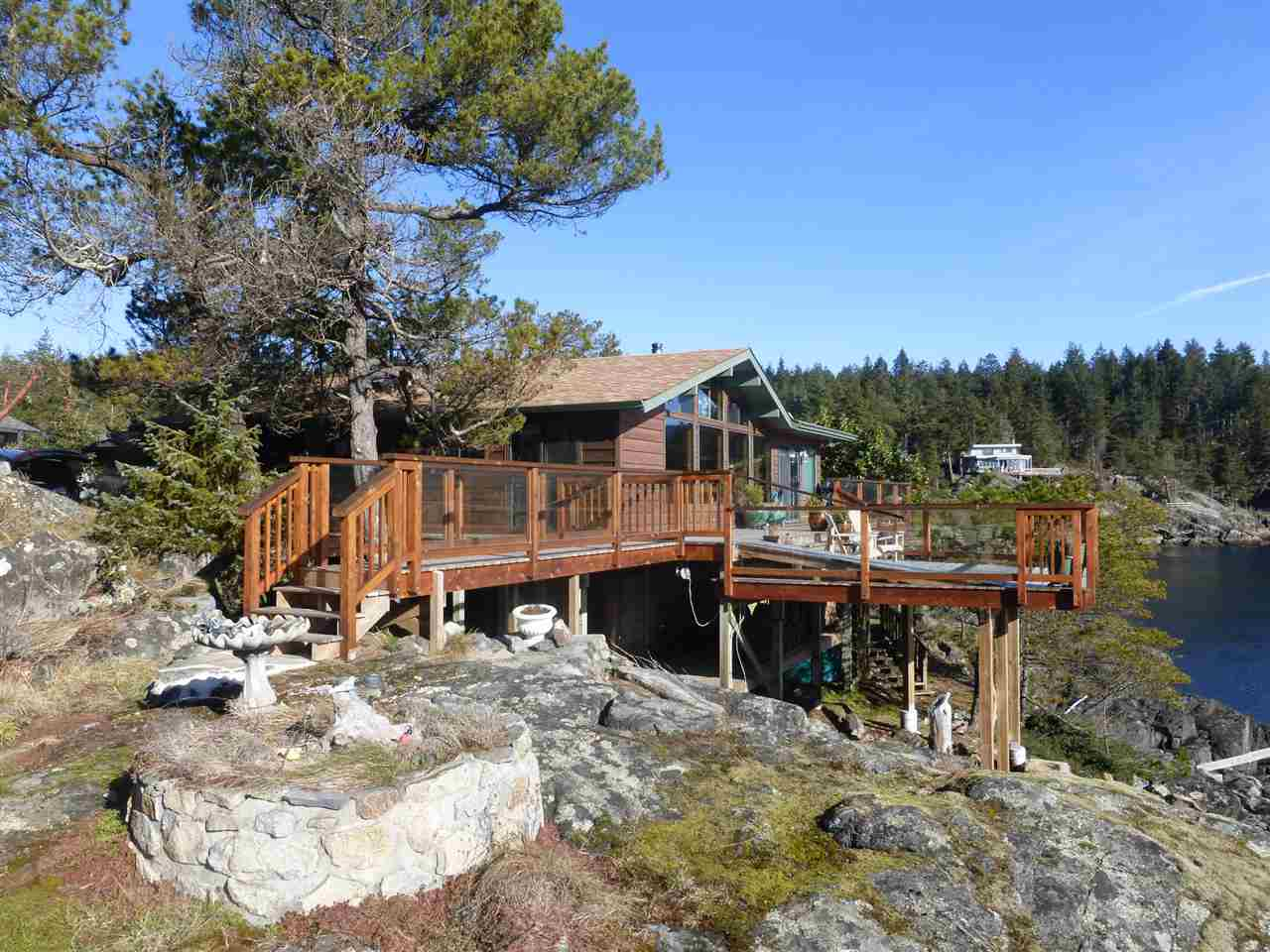 Main Photo: 5004 SHERMAN Lane in Halfmoon Bay: Halfmn Bay Secret Cv Redroofs House for sale (Sunshine Coast)  : MLS® # R2138496