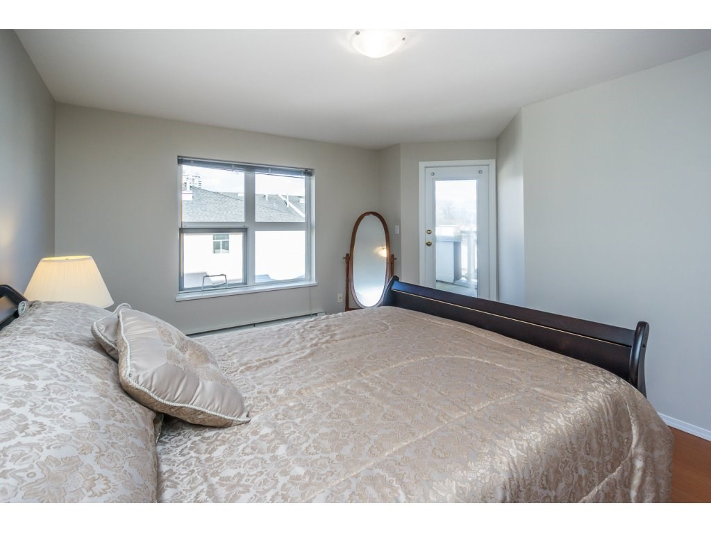 "Photo 15: 404 2335 WHYTE Avenue in Port Coquitlam: Central Pt Coquitlam Condo for sale in ""CHANELLOR'S COURT"" : MLS® # R2141689"