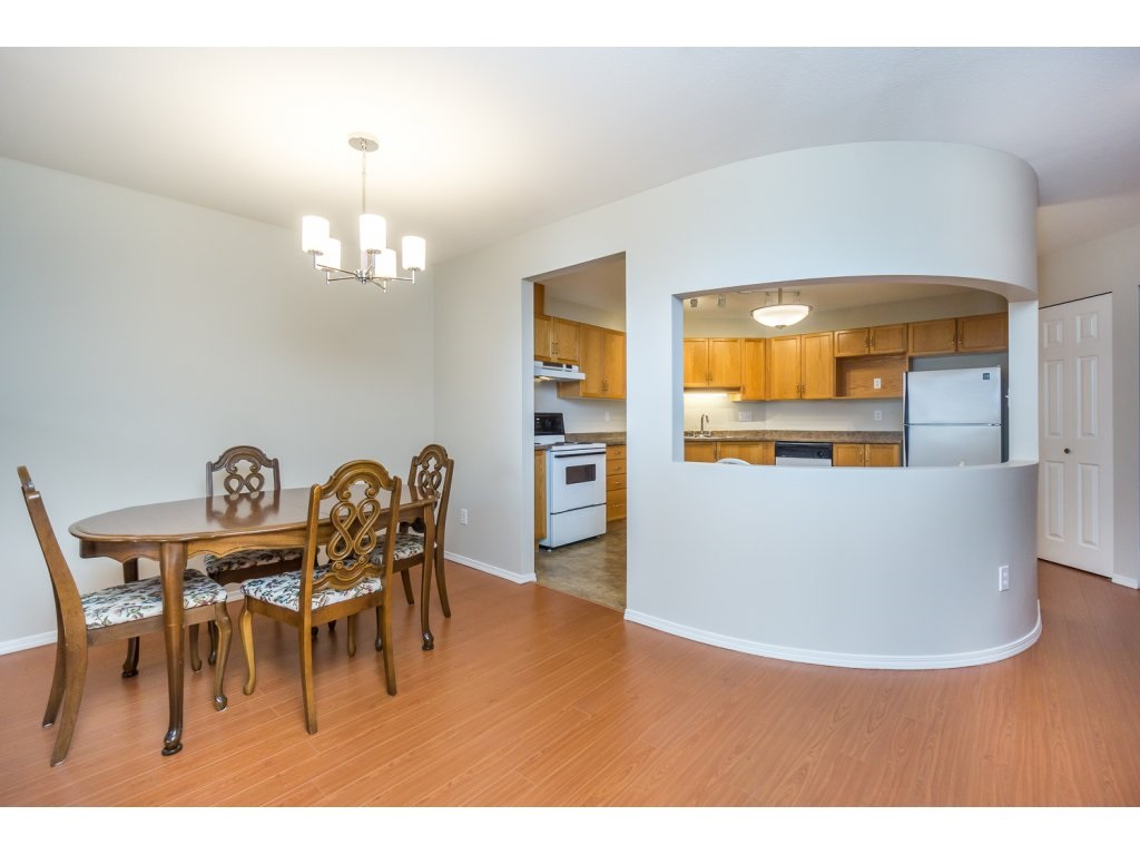 "Photo 11: 404 2335 WHYTE Avenue in Port Coquitlam: Central Pt Coquitlam Condo for sale in ""CHANELLOR'S COURT"" : MLS® # R2141689"