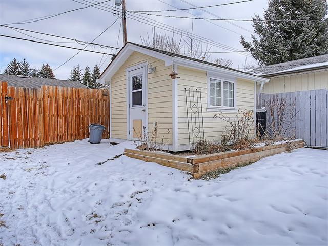 Photo 17: 4520 21 Avenue NW in Calgary: Montgomery House for sale : MLS® # C4102515
