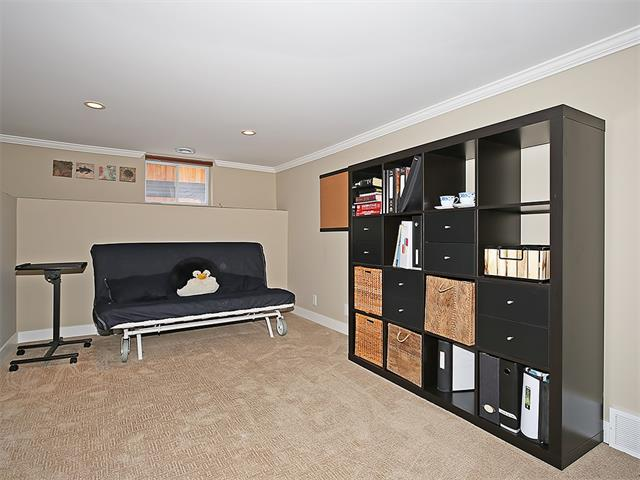 Photo 13: 4520 21 Avenue NW in Calgary: Montgomery House for sale : MLS® # C4102515