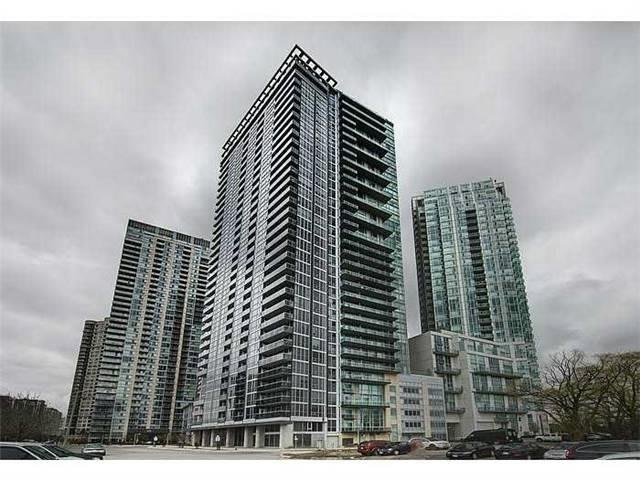 Main Photo: 2513 223 S Webb Drive in Mississauga: City Centre Condo for sale : MLS®# W3722587