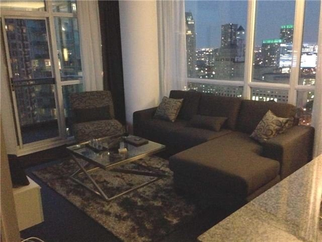 Photo 2: 2513 223 S Webb Drive in Mississauga: City Centre Condo for sale : MLS® # W3722587