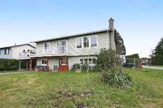 "Main Photo: 17516 63RD Avenue in Surrey: Cloverdale BC House for sale in ""GREENWAY"" (Cloverdale)  : MLS(r) # R2148933"