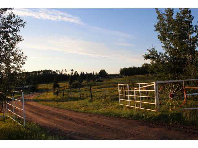 Main Photo: 21328 TWP 524 RD Road: Rural Strathcona County House for sale : MLS(r) # E4060071