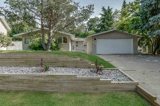 Main Photo: 31 Greenwich Crescent: St. Albert House for sale : MLS(r) # E4070535