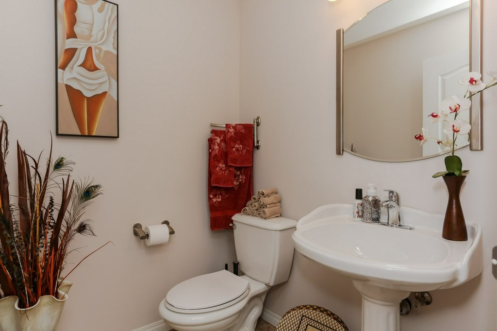 Photo 12: 657 SILVER BERRY Road in Edmonton: Zone 30 House for sale : MLS(r) # E4072951