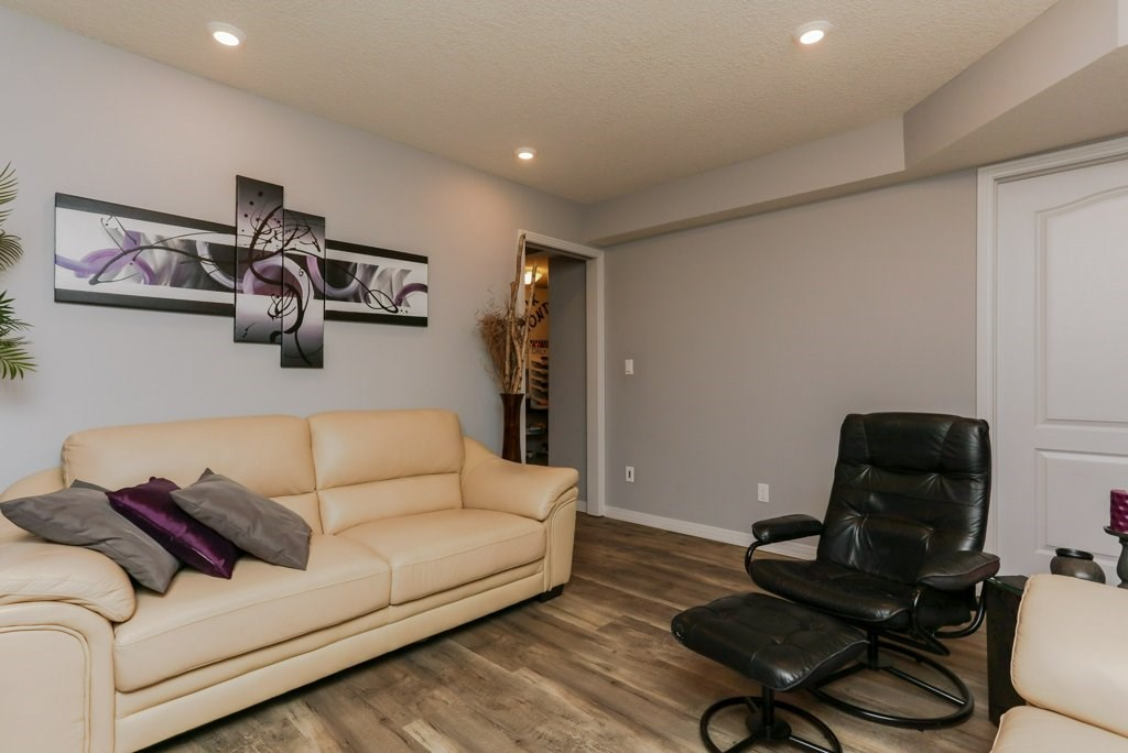 Photo 21: 657 SILVER BERRY Road in Edmonton: Zone 30 House for sale : MLS(r) # E4072951