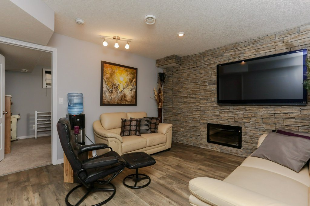 Photo 20: 657 SILVER BERRY Road in Edmonton: Zone 30 House for sale : MLS(r) # E4072951