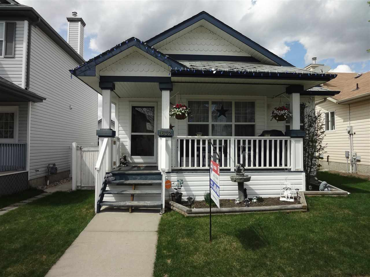Main Photo: 1632 TOMPKINS Place in Edmonton: Zone 14 House for sale : MLS® # E4078219