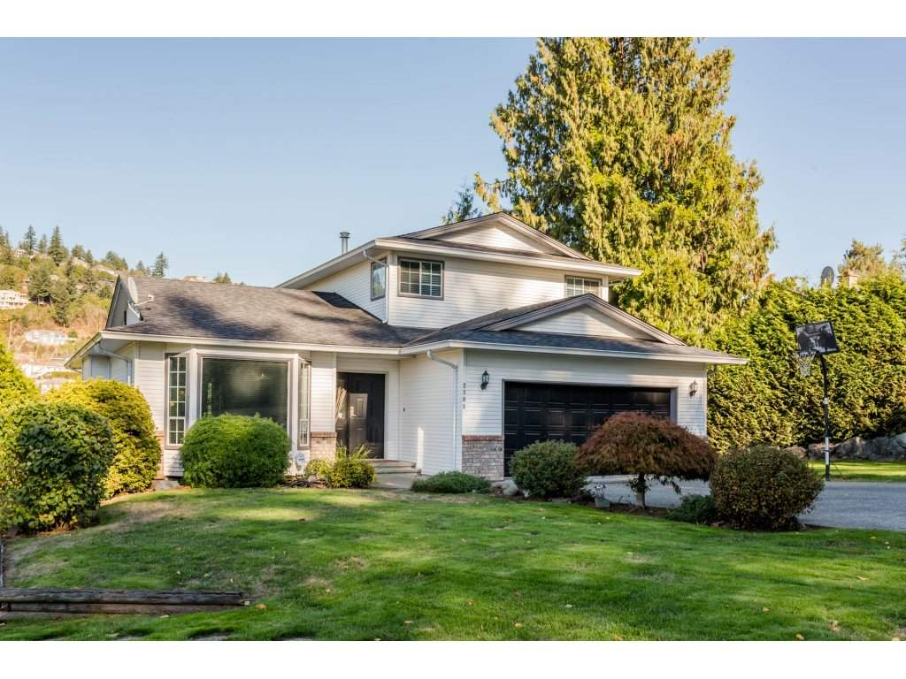 "Main Photo: 2308 OLYMPIA Place in Abbotsford: Abbotsford East House for sale in ""McMillan"" : MLS®# R2212060"
