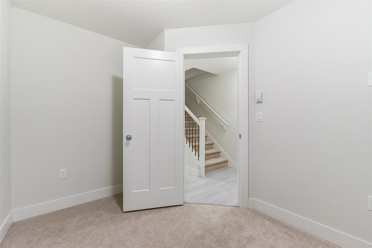 Photo 14: Photos: 14 8699 158 Street in Surrey: Fleetwood Tynehead Townhouse for sale : MLS® # R2223443