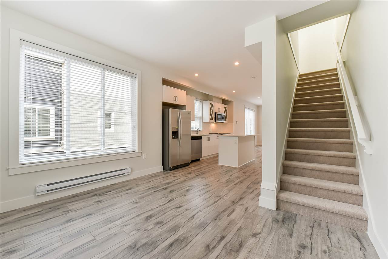 Photo 12: Photos: 14 8699 158 Street in Surrey: Fleetwood Tynehead Townhouse for sale : MLS® # R2223443
