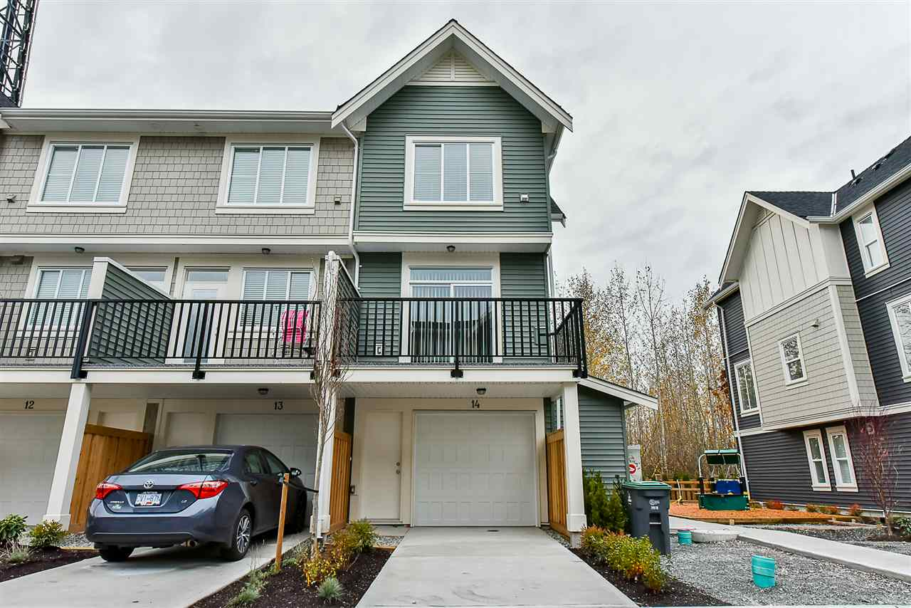 Photo 3: Photos: 14 8699 158 Street in Surrey: Fleetwood Tynehead Townhouse for sale : MLS® # R2223443