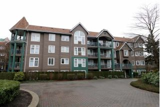 "Main Photo: 201 3085 PRIMROSE Lane in Coquitlam: North Coquitlam Condo for sale in ""LAKESIDE TERRACE"" : MLS® # R2232027"